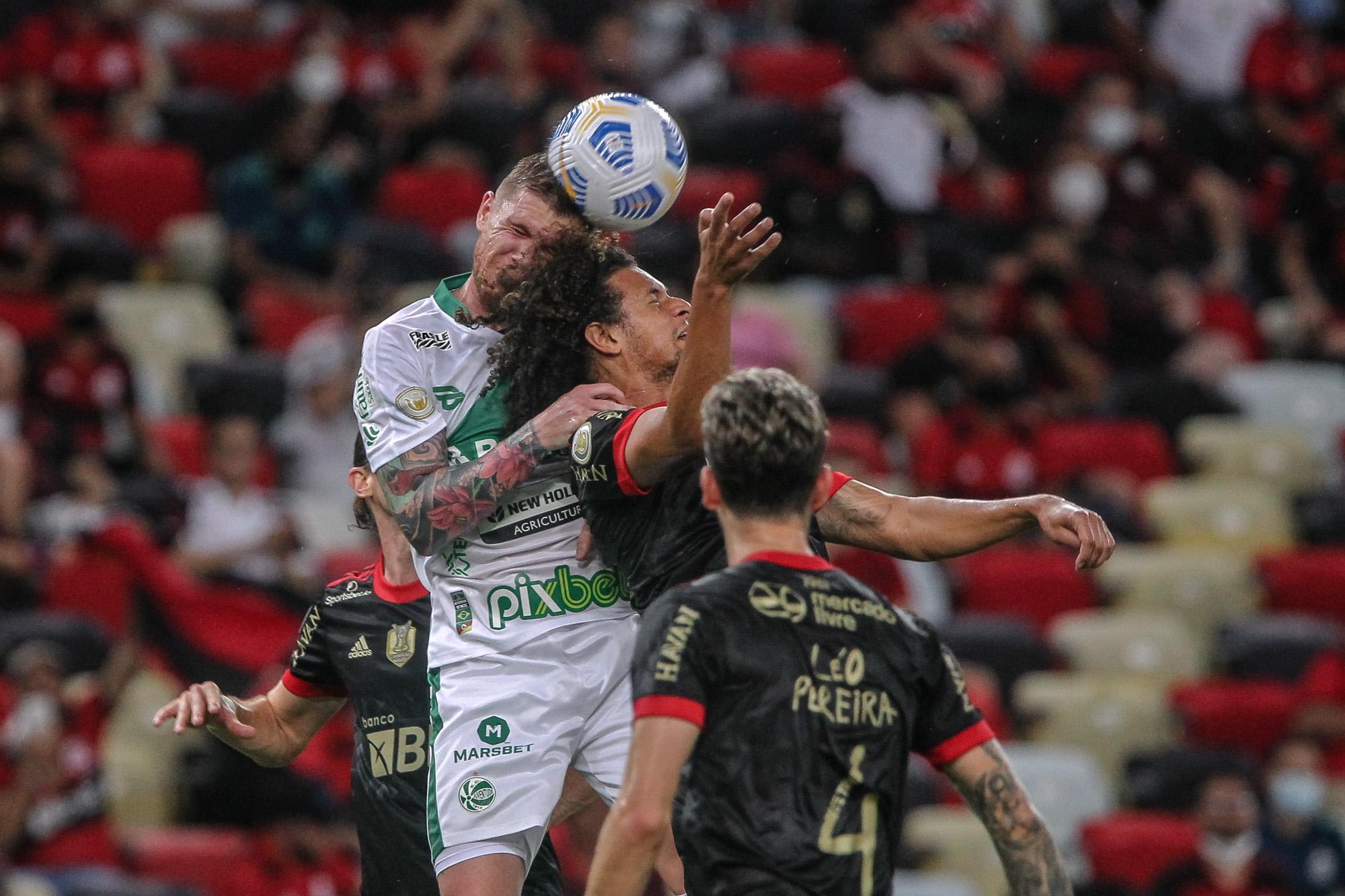 No Maracanã, Ju é superado pelo Flamengo